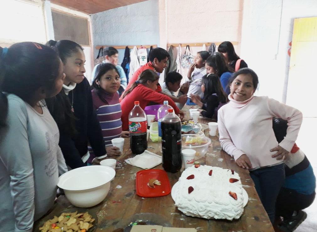 Gemeinsam spielen , gemeinsam feiern. La Andariega ermöglicht das. Edumanía unterstützt dieses Projekt