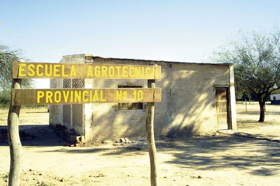 So sah das erste Schulgebäude der Escuela Agrotécnica Provincial N°10 aus, als Edumanía beschloss sie zu fördern.